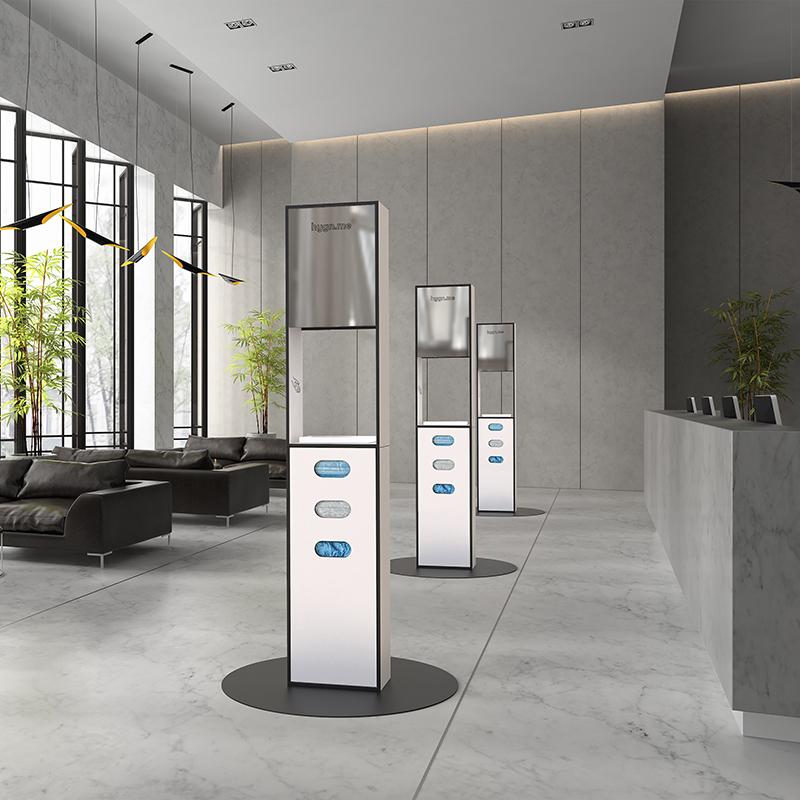 Design Hygienestationen und Desinfektionsspender: hygn.me Station 2 column dispenser sanitary Hygienestation freistehend in weiß mit Spiegel, Sensor zur kontaktlosen Desinfektion der Hände und Fächern zur Entnahme von Hygieneartikeln (Masken, Handschuhe, Tücher)